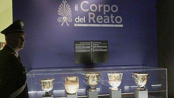 Antiquarium di Pompei: cade teca, anfora in frantumi
