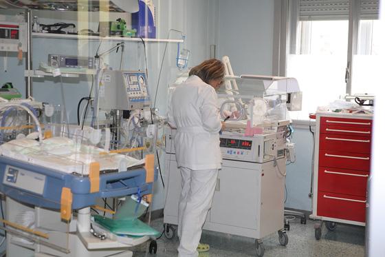 Parto a Salerno: piccola nasce a 26 settimane