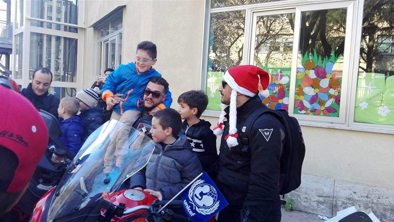 Babbo Natale in moto, a Pianura iniziativa di solidarietà per i bambini