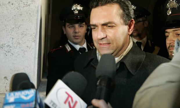 Spari a Napoli, De Magistris: