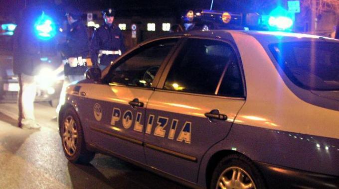 Aggressione a Napoli: 17enne ferito alla gola da una coltellata