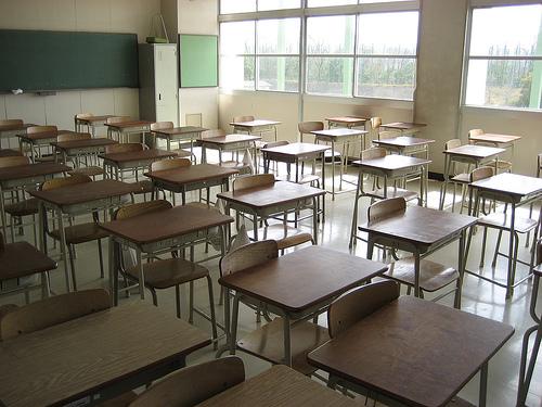 Fondi per la manutenzione degli edifici scolastici nel Napoletano