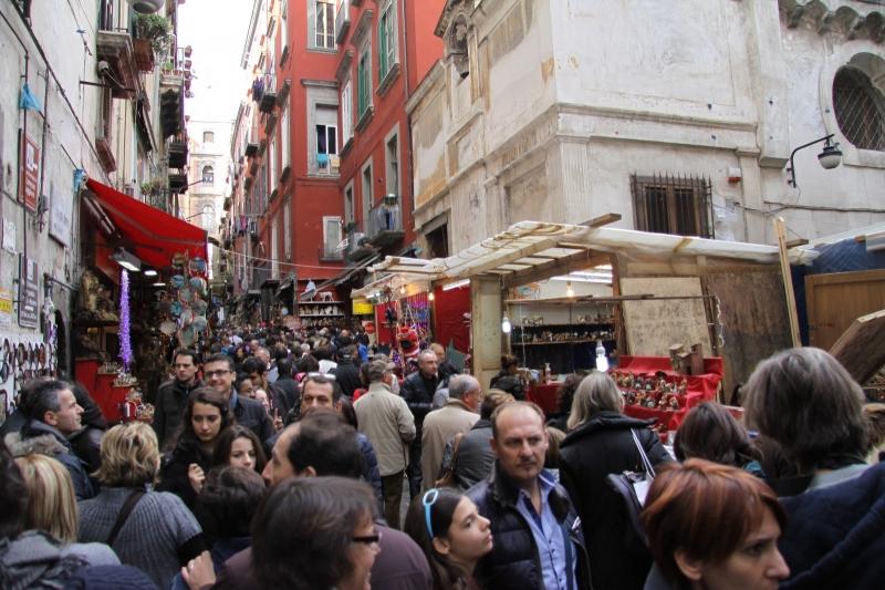 Ponte dell'Immacolata a Napoli, è boom di turisti in città