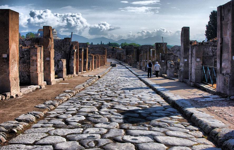 Coronavirus, dimezzate le presenze agli Scavi di Pompei