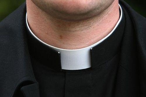 Violenza sessuale su minore, diocesi di Napoli: