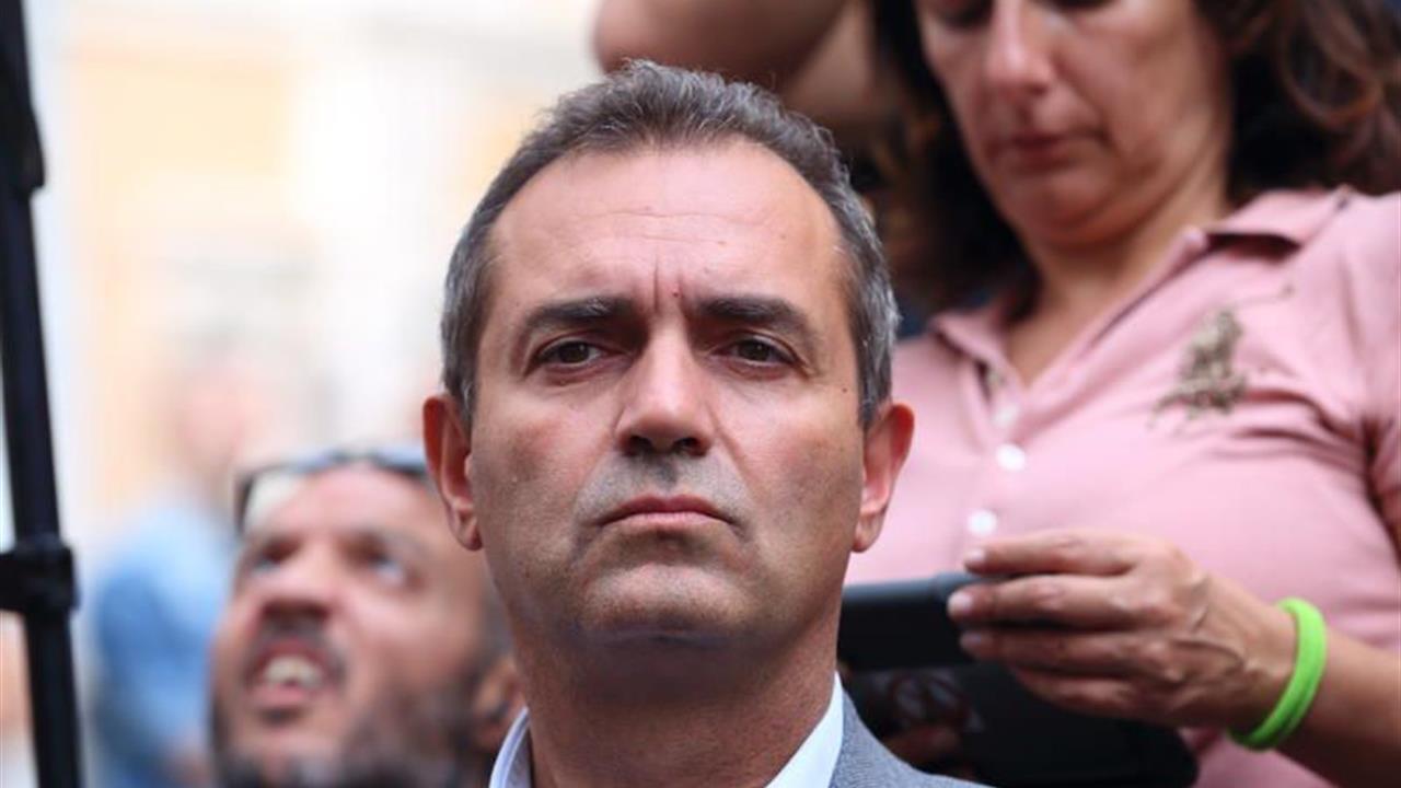 Petizione al sindaco de Magistris per Arco di Torre Cercati abbandonato da tre anni