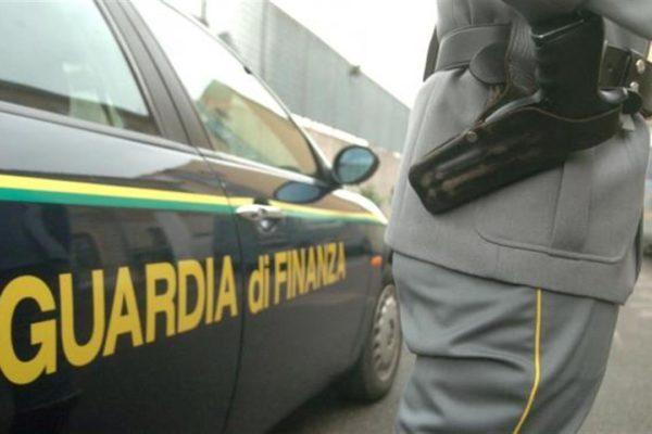 Scoperta officina navale abusiva a Napoli