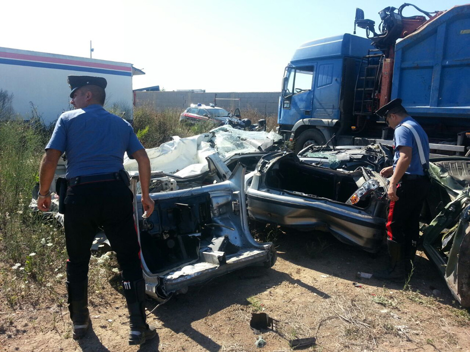 Auto rubate per rivenderle a pezzi: tre arresti nel Napoletano