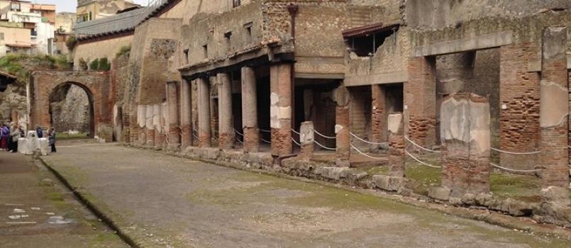 Scavando tra le carte: mostra scritture dei banchi pubblici sulla nascita degli scavi archeologici