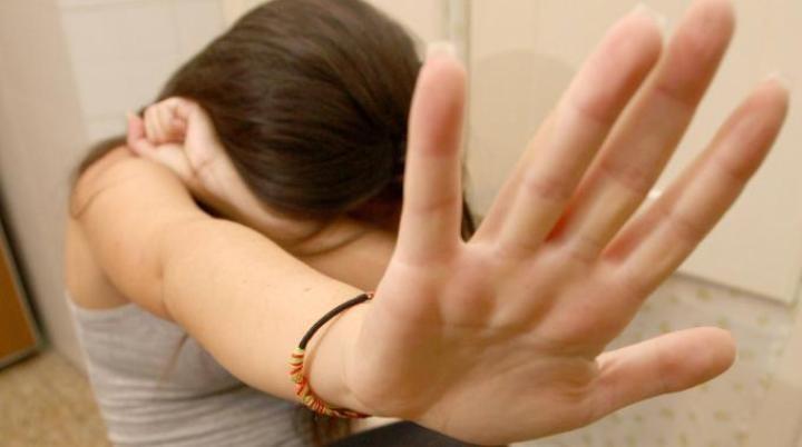 Abusi su minori: arresti nel Casertano