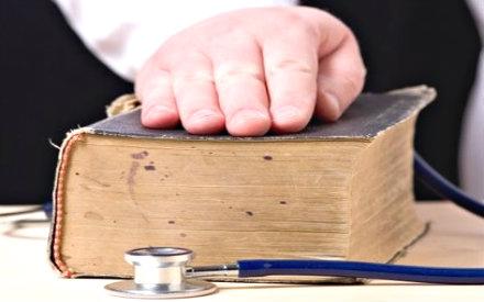 Giuramento di Ippocrate a Napoli per 490 medici