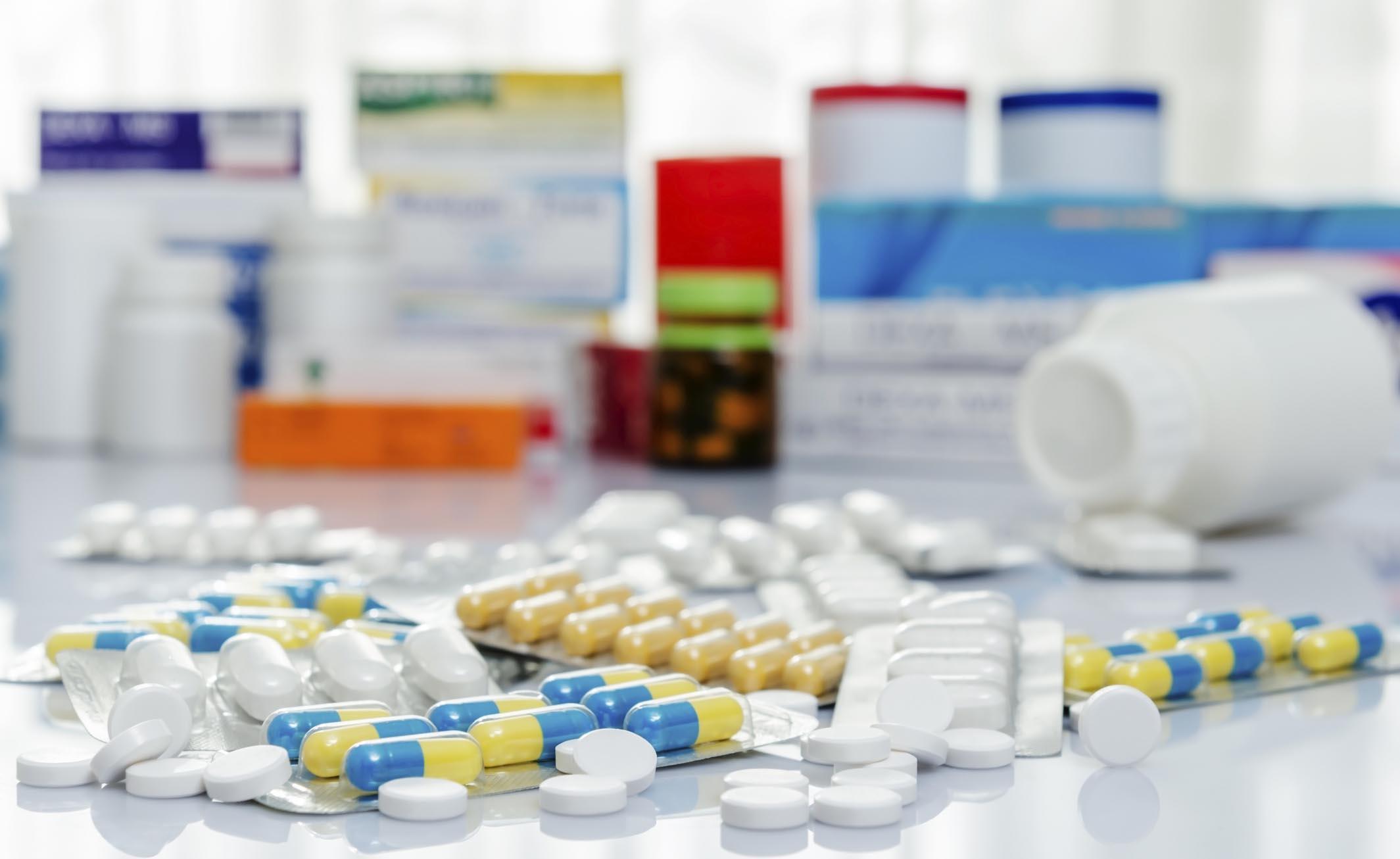 Mercato nero di farmaci scoperto a Napoli