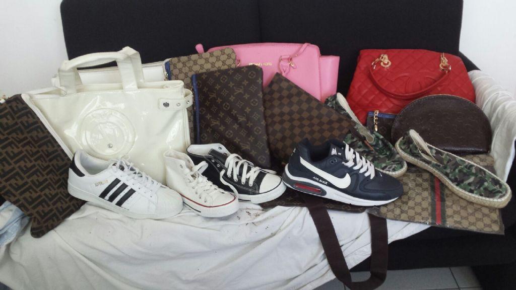 Oltre 600 capi di abbigliamento contraffatti sequestrati a Napoli