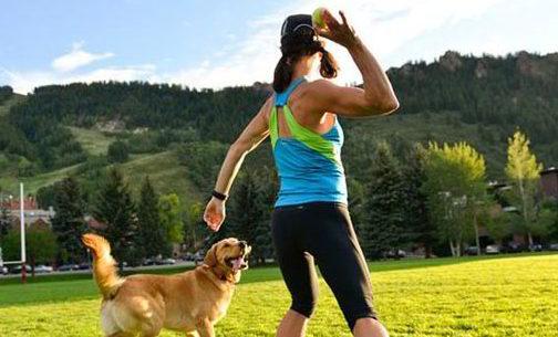 Fitness con il cane, l'iniziativa di una palestra di Chiaia