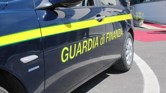 Ventiseimila prodotti falsi sequestrati a Salerno