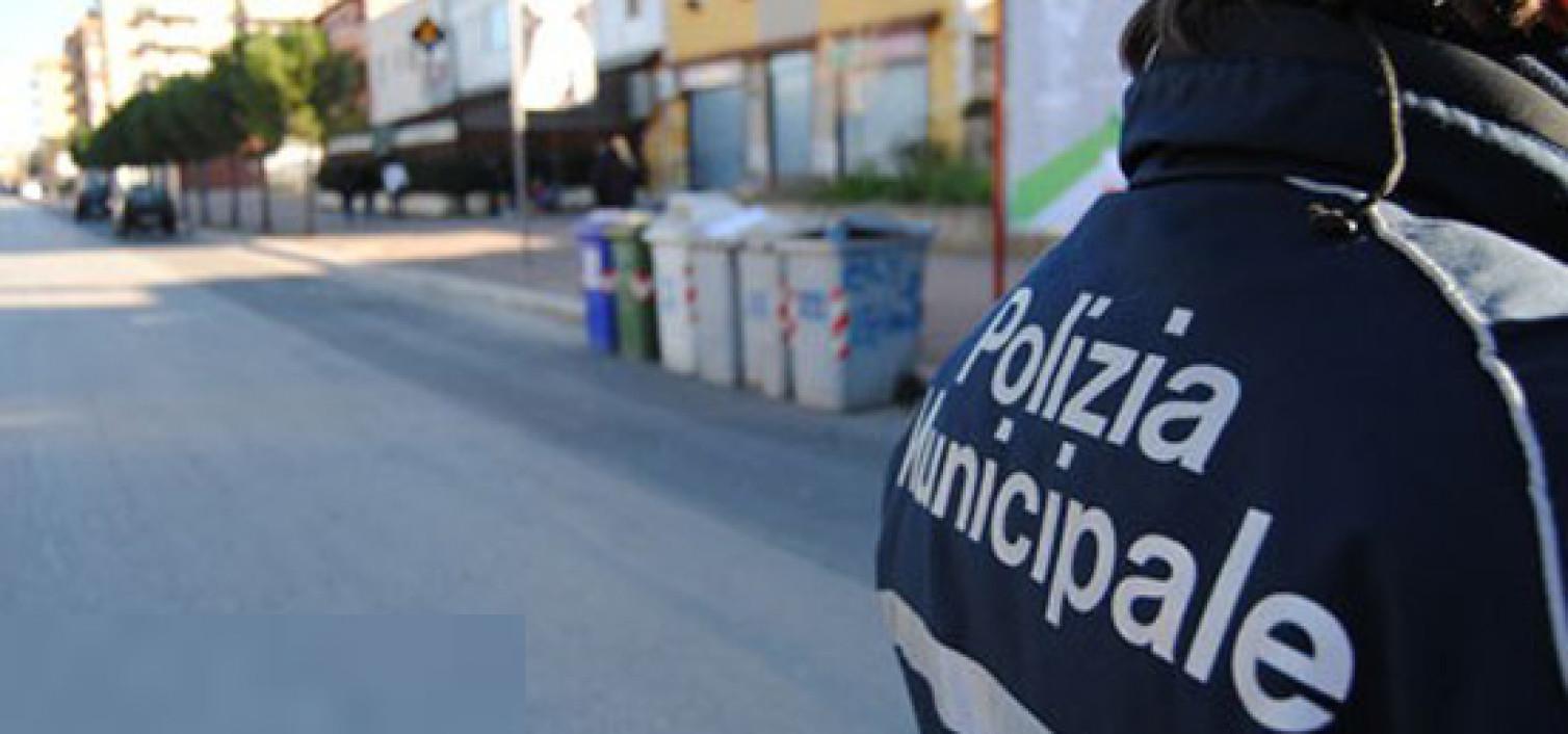 Rimossi i paletti abusivi ai Quartieri spagnoli. In totale sono stati rimossi 56 paletti, due transenne e tre dissuasori installati a parete