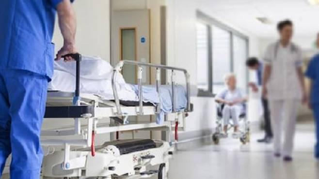 Ucciso in ospedale con soda caustica: arrestata infermiera