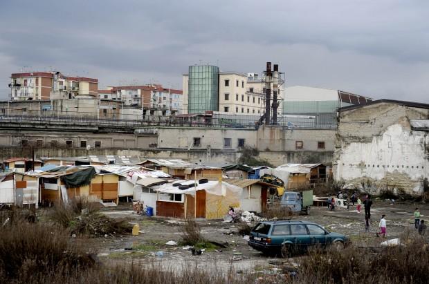 Sequestrato campo rom nel quartiere di Scampia