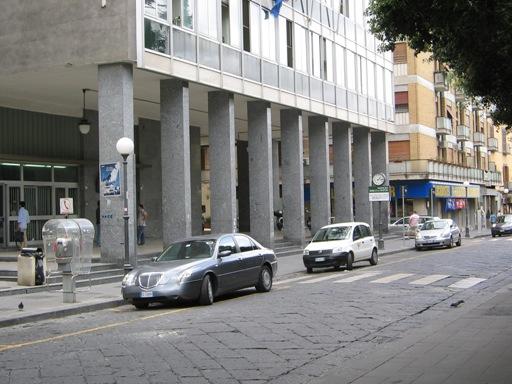 Sesso in piazza a Caserta: identificata la coppia