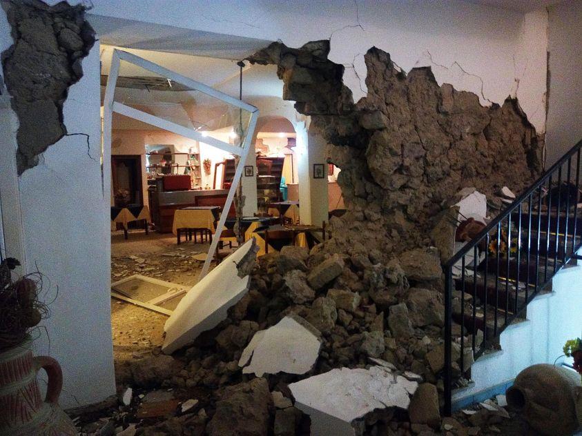"""Terremoto a Ischia, cittadinanza a Borrelli, Ferrandino: """"non trovo motivazioni"""""""
