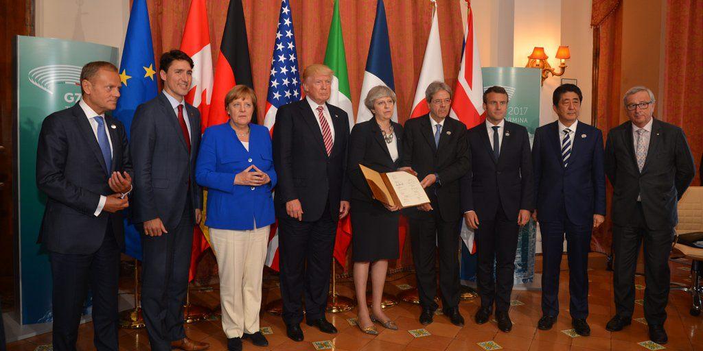 G7: presidenti delle Camere basse accolti da de Magistris e Sepe