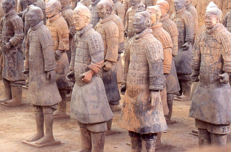L'esercito di terracotta arriva a Napoli alla Basilica dello Spirito Santo