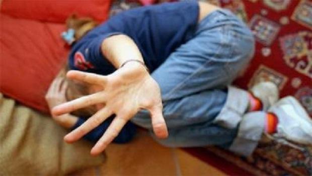 Violenza sessuale su ragazzina: in manette 64enne nel Napoletano