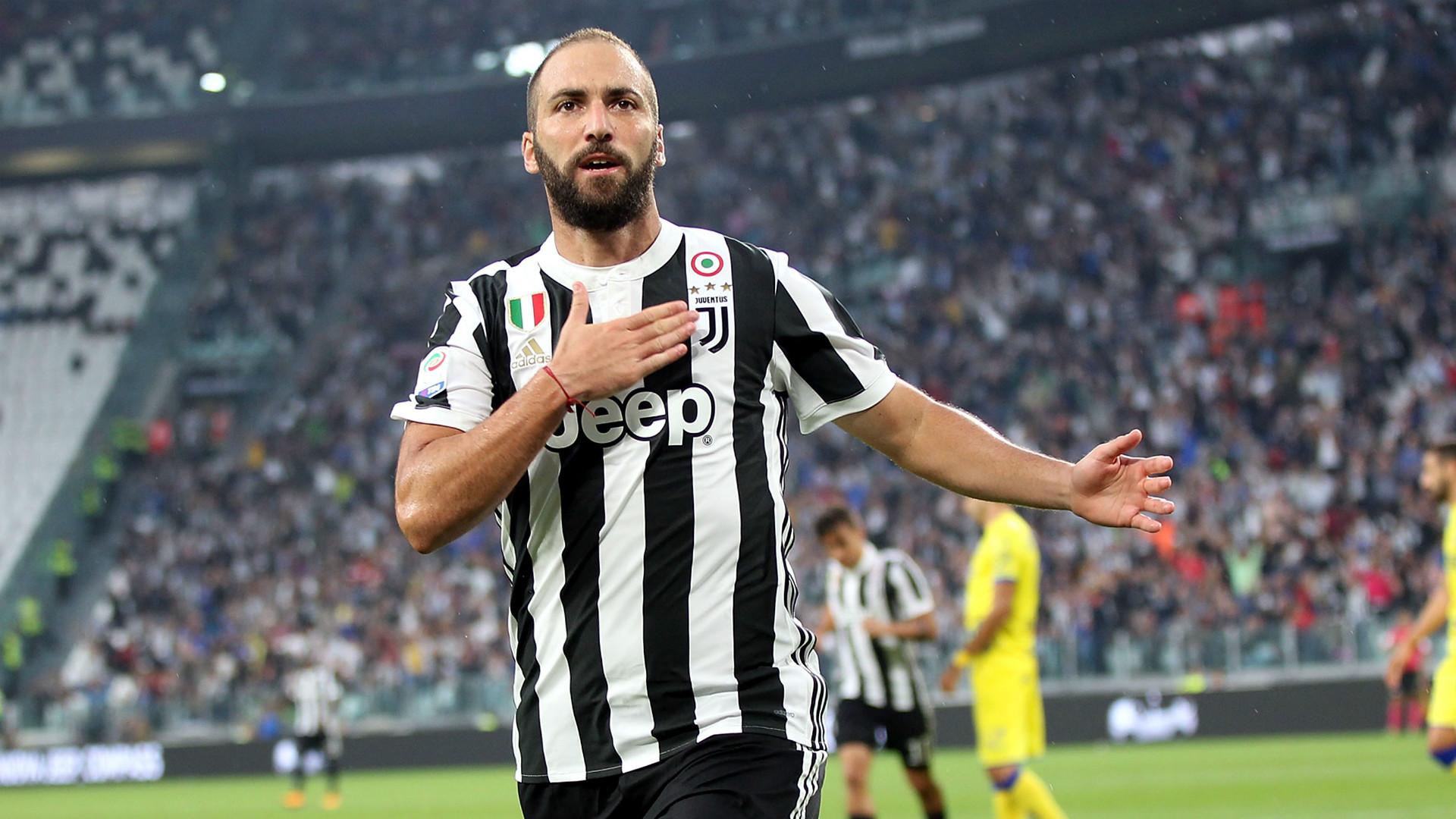 Napoli-Juventus 0-1: Higuain riporta i bianconeri -1 dalla vetta