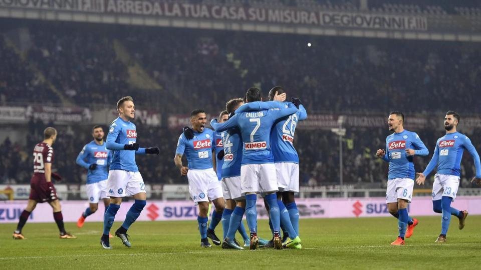 Torino-Napoli 1-3: azzurri di nuovo in vetta, Hamsik nella storia