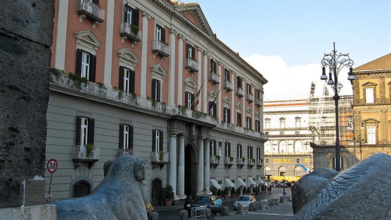 """Corteo di studenti a Napoli: """"no alla violenza e sì alla legalità"""""""