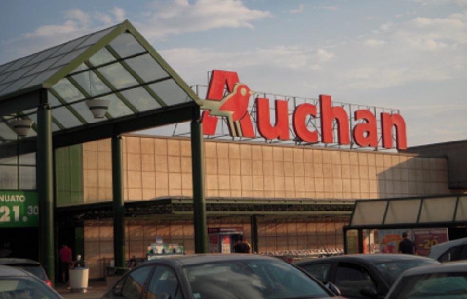 Chiude Auchan Napoli: centinaia di posti di lavoro a rischio