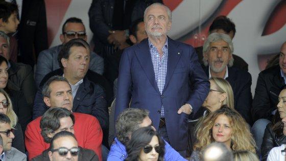 """Il Napoli compra pagine di giornale contro de Magistris: """"sindaco inadeguato"""""""