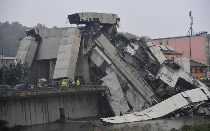 Crolla ponte di Genova: 11 morti tra cui un bambino, e 5 feriti in codice rosso