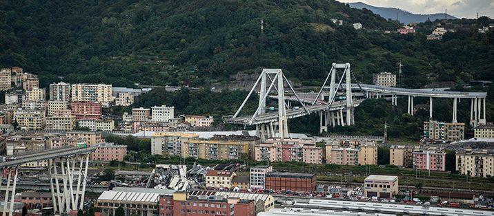 Crollo ponte di Genova: ritrovati i corpi di quattro ragazzi napoletani