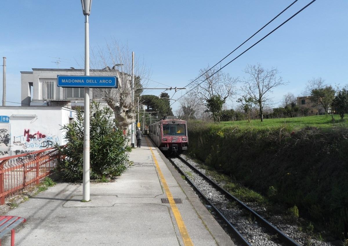 Circumvesuviana stazione non controllata