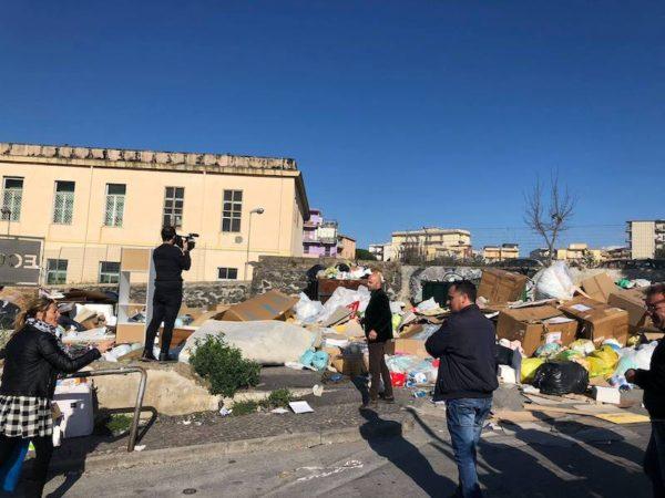emergenza rifiuti a Torre del Greco