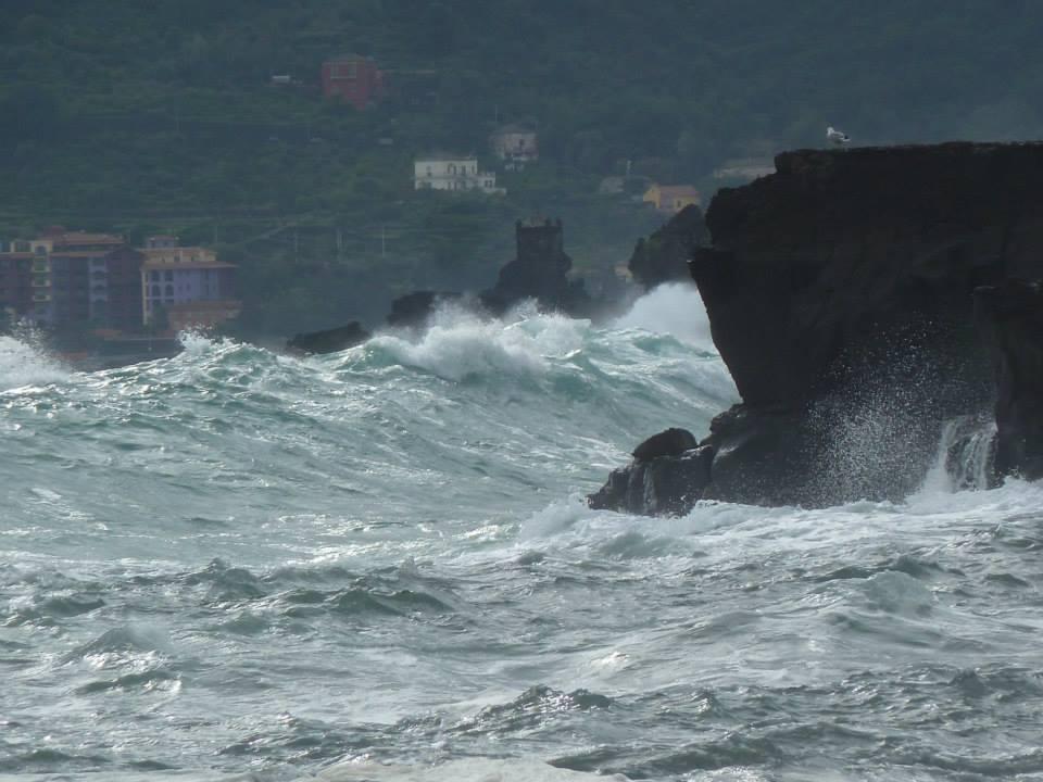 Frana muraglione a Casamicciola a causa del maltempo