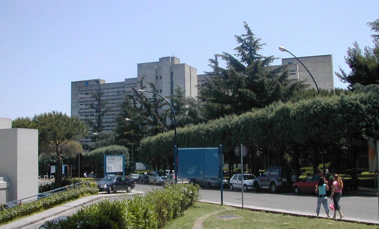 Padre dona rene alla figlia, trapianto da vivente a Napoli al policlinico Federico II
