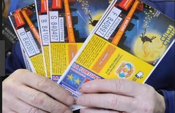 Lotteria Italia: a Napoli, il secondo biglietto vincente, venduto ad un turista