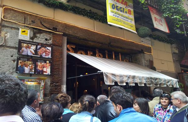 La pizzeria Sorbillo pronta a riaprire lunedì 21 gennaio