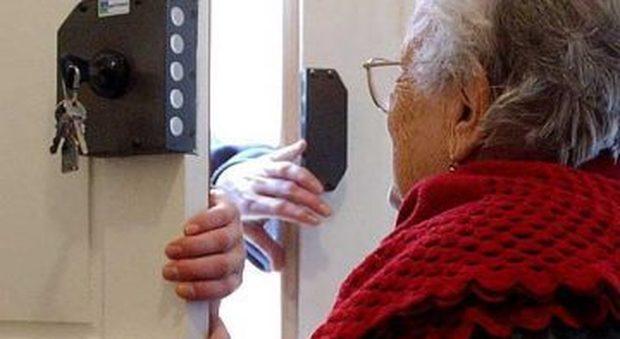 Anziana torturata da badante nel Napoletano