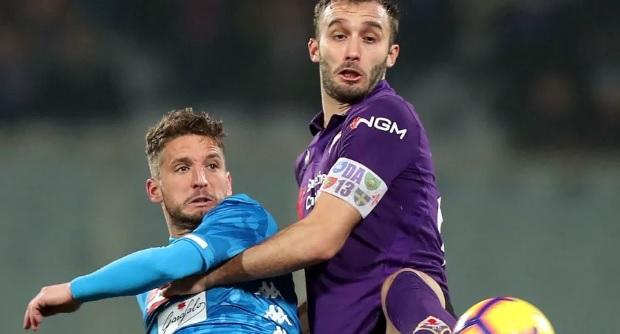 Fiorentina-Napoli 0-0, gli azzurri sprecano troppo e frenano al Franchi