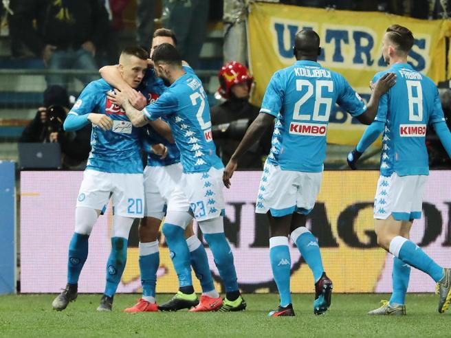 Parma-Napoli 0-4: Zielinski, Milik e Ounas calano il poker azzurro