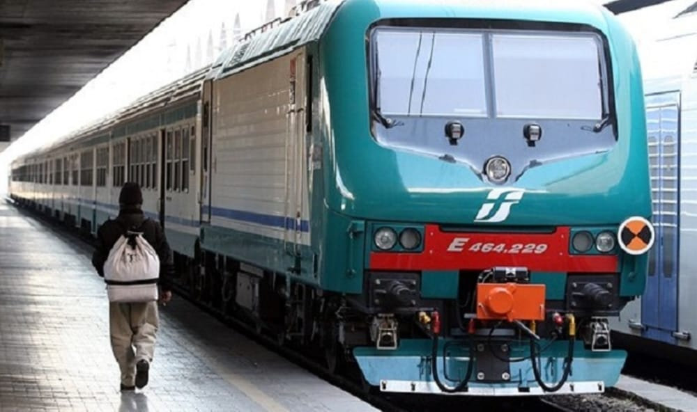 La difficile vita dei pendolari napoletani: in ritardo il 39% dei treni