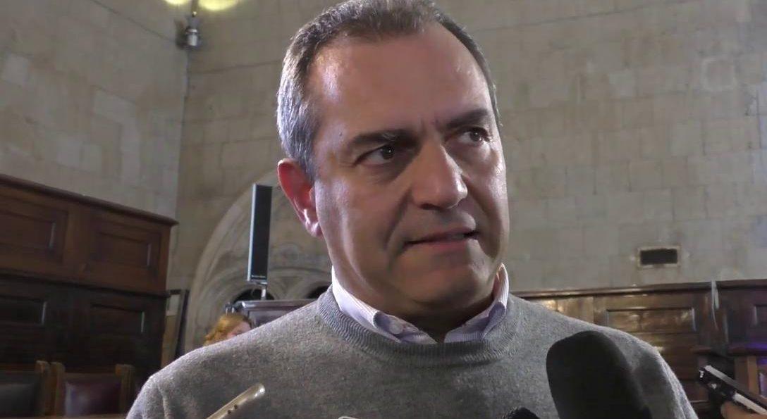"""Covid, de Magistris: """"Verosimile il ritorno in zona rossa"""""""