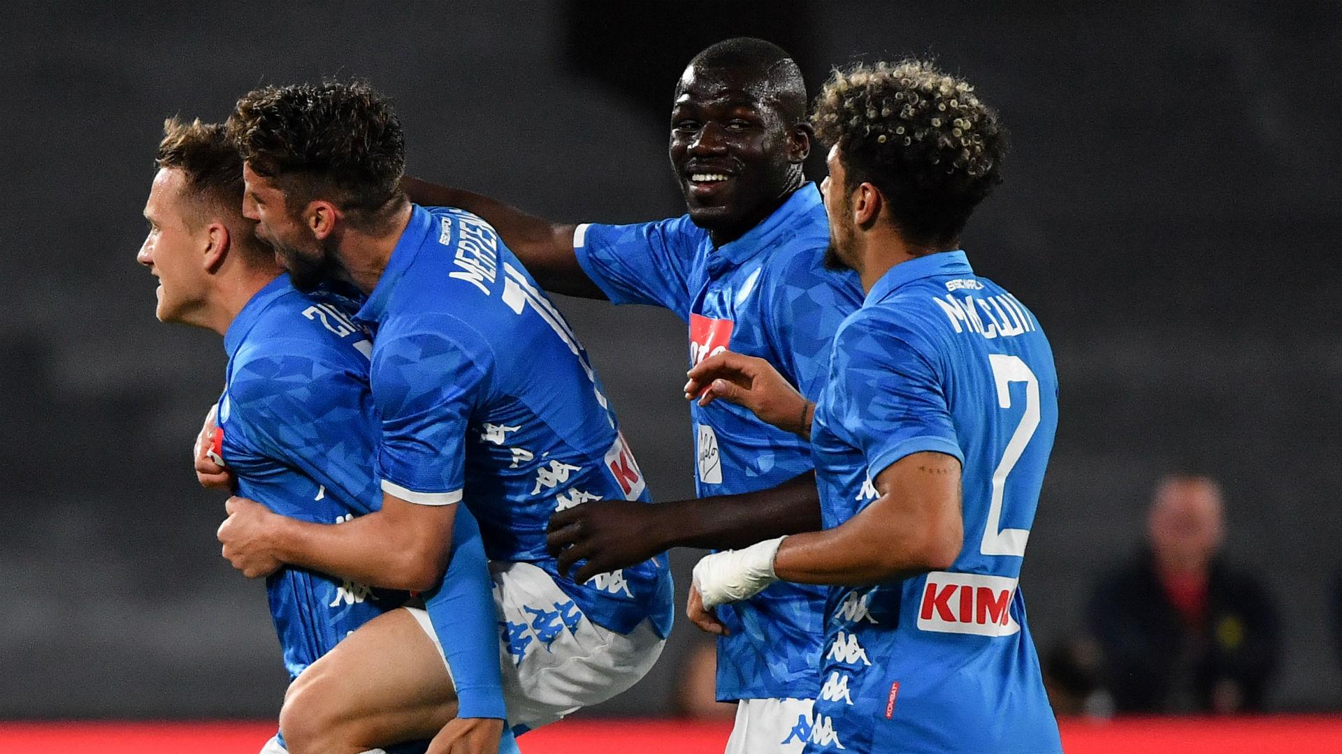 Napoli-Inter 4-1: Zielinski, Mertens e Fabian Ruiz calano il poker
