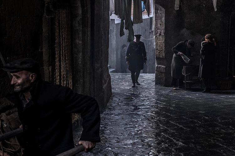 Sarà Lino Guanciale il volto di Luigi Alfredo Ricciardi per la serie tv di RaiUno: le foto di scena