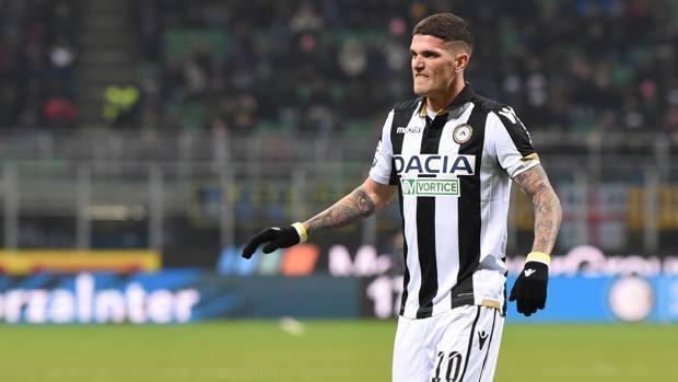 Napoli, si complica per James Rodriguez: l'alternativa è De Paul dell'Udinese