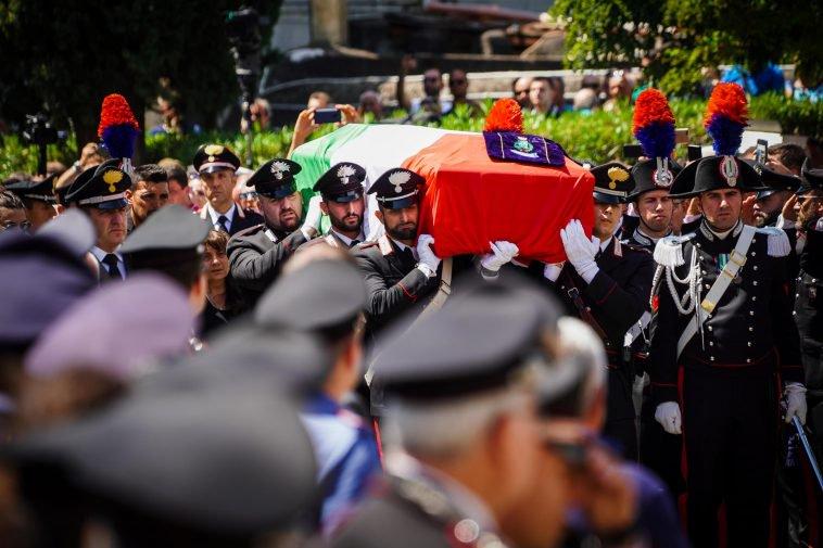 A Somma Vesuviana i funerali del carabiniere ucciso a Roma