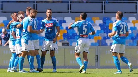 Napoli-Brescia 2-1: gli azzurri vincono con Mertens e Manolas, ma che fatica